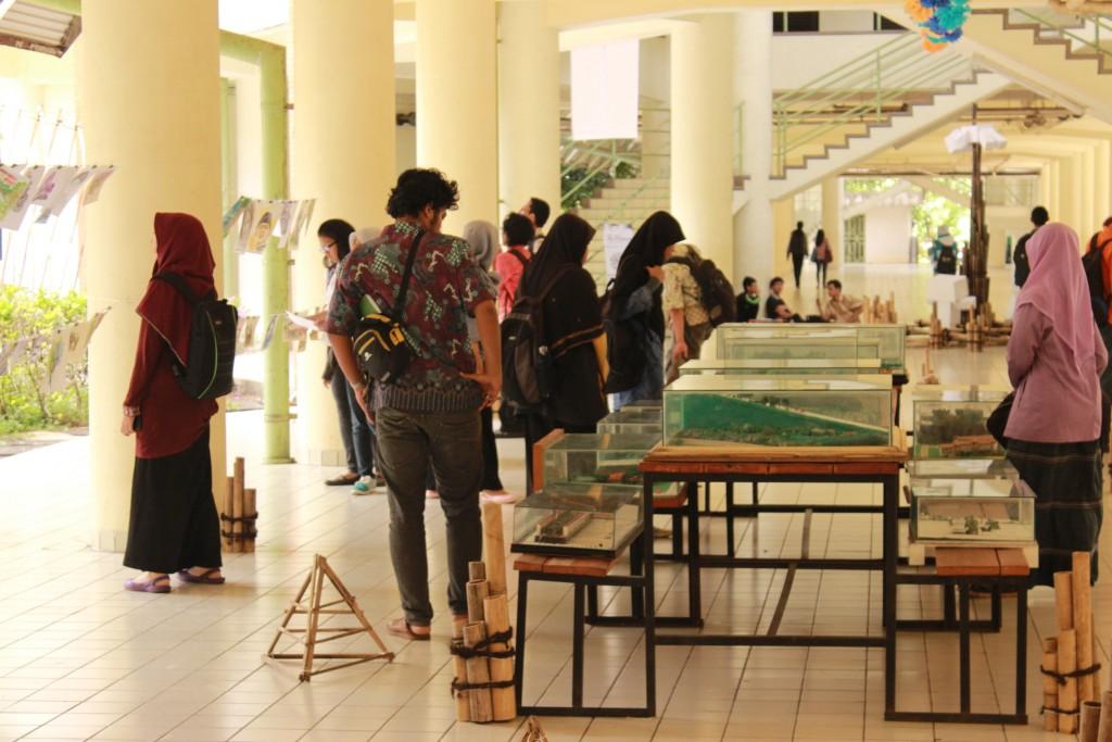 Keramaian pengunjung ARL Punya Acara di Plaza Soekarno