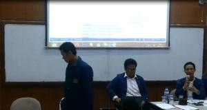 Afif (kiri) dan Supri (kanan) saat Sidang Istimewa 30 Mei 2015.