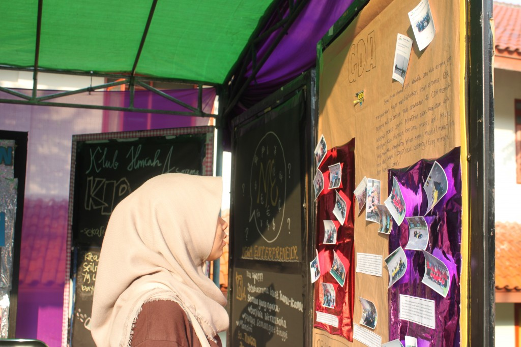 Suasana Open House Klub Asrama angkatan 52 hari kedua di Asrama Putri TPB IPB