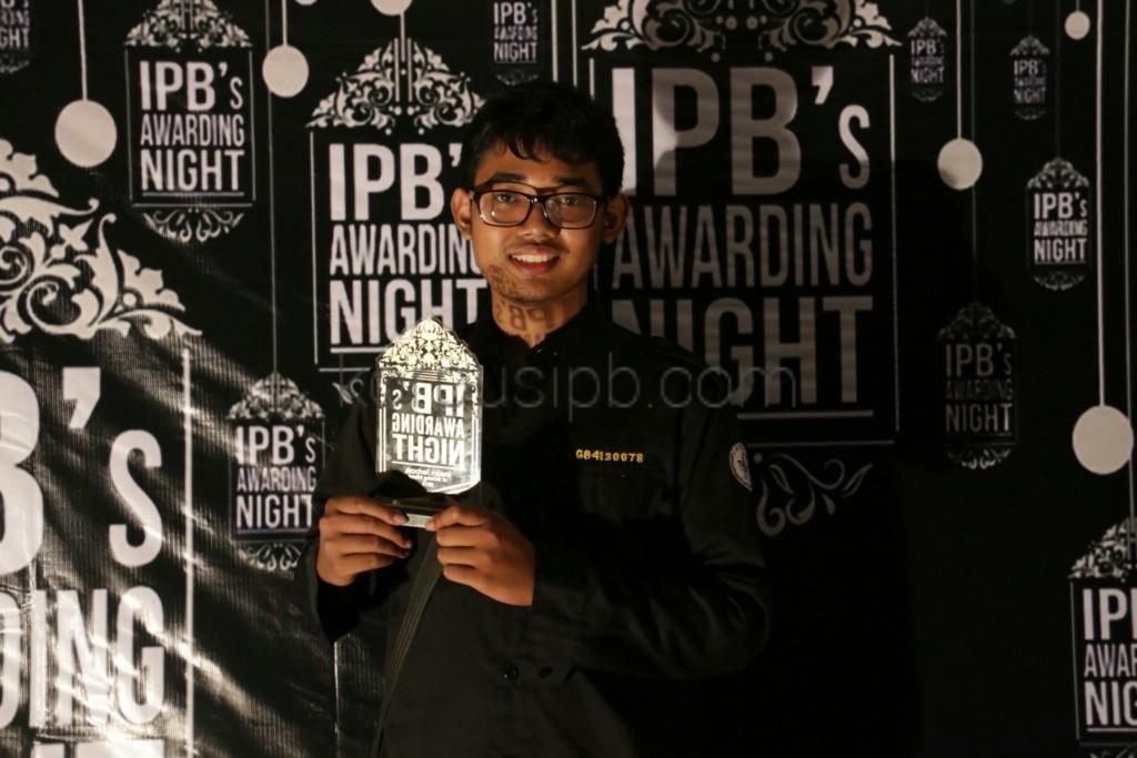 Rastra (Biokimia 50) saat ditemui di malam penganugerahan IPB, Minggu(6/9). (Foto: Ichwanul AM)