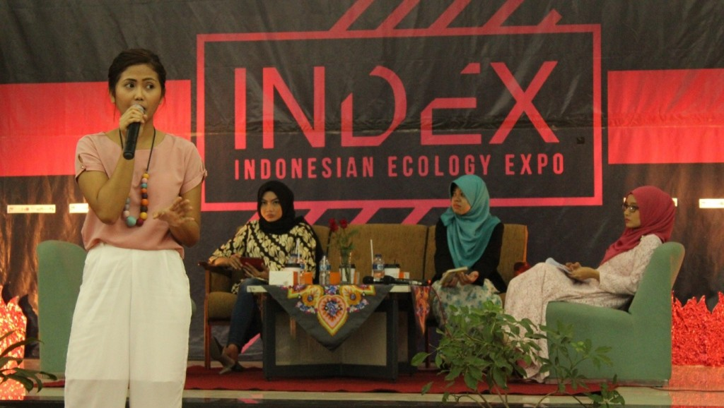 Salah satu pembicara dalam seminar dan talkshow INDEX sesi kedua, Drucella Benala Dyahati, menyampaikan materi tentang aksi cinta lingkungan