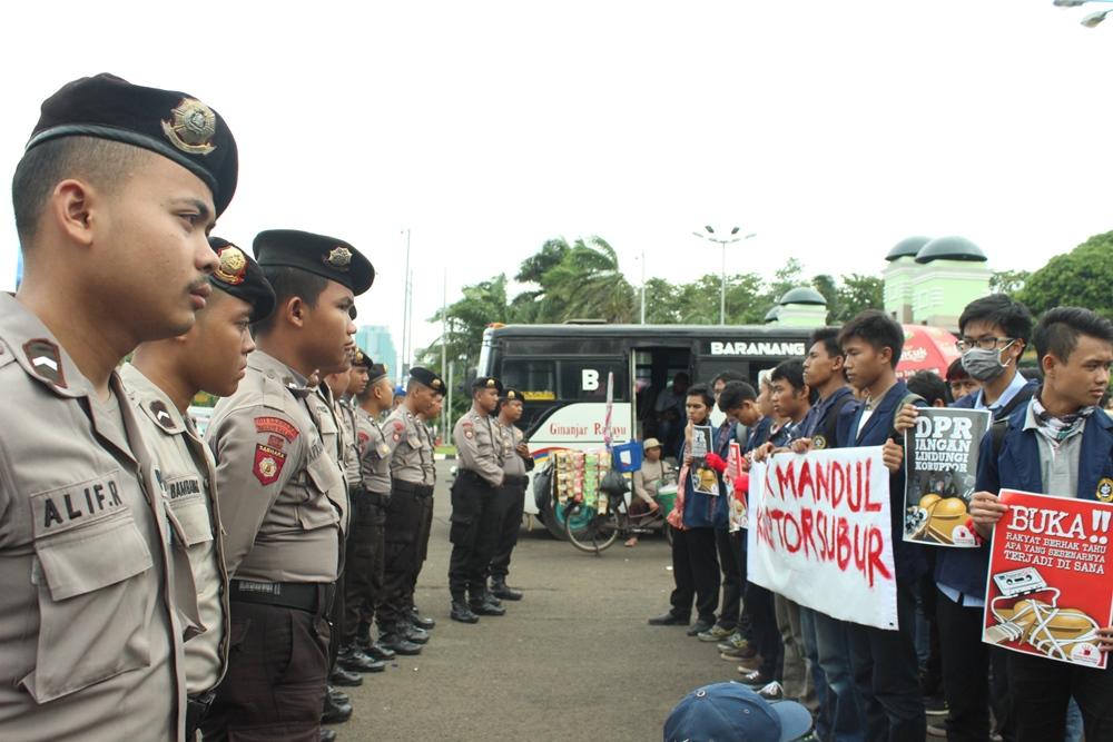 aksi berjalan dengan baik dan aman dengan pengamanan sejumlah polisi