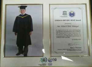 Penghargaan yang diperoleh Prof. Hidayat Pawitan dari UNESCO-IHP RSC-SEAP source : http://news.ipb.ac.id/