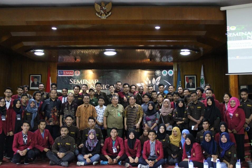 Pembicara dan tamu undangan berfoto bersama seluruh delegasi Pengurus Cabang Sylva Indonesia.