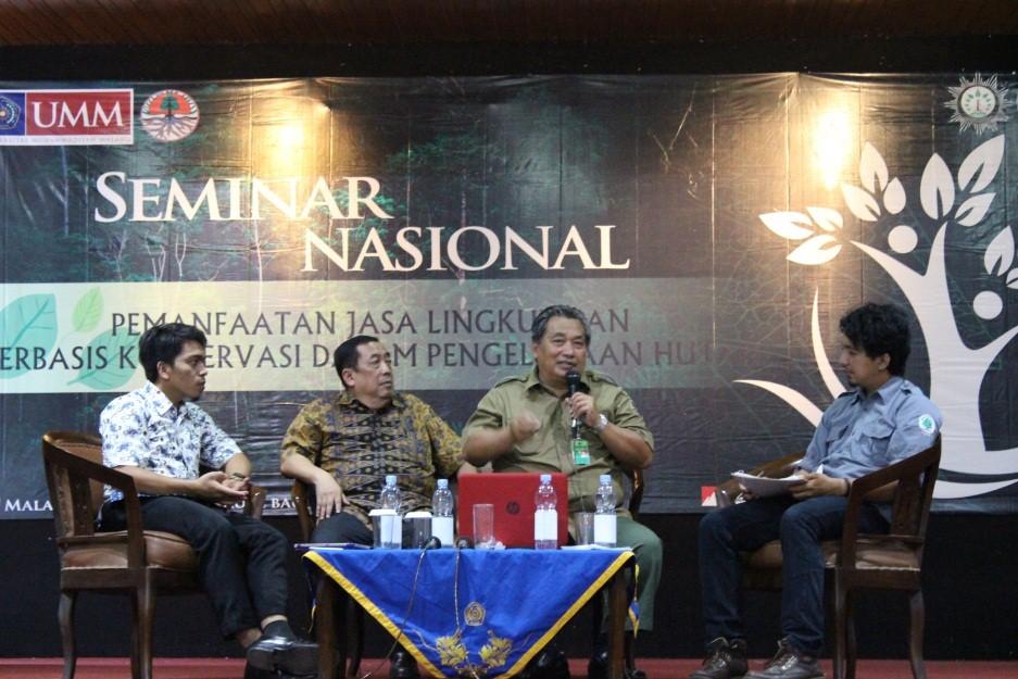 Dari kiri ke kanan : Mutiono S.Hut (PinK Fahutan IPB), Bambang Tri Hartono (Litbang KLHK), Ir. Muhammad Ali Wafa Pujiono, MP (Perhutanan Sosial dan Kemitraan LH) dan Marcel Gerensa (Sekjend PP SI)