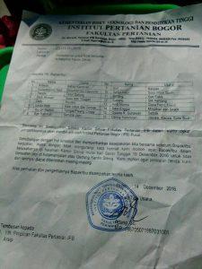 Surat edaran perihal permohonan untuk tidak berjualan di halaman Kantin Stevia dari pihak Faperta. (Foto: Rina N)