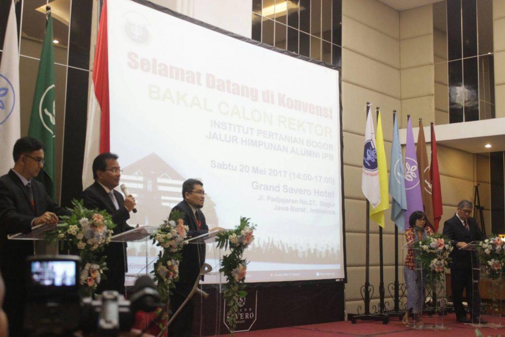 Pemaparan Visi dan Misi Bakal Calon Rektor Usungan HA (Foto oleh : Hesti M)