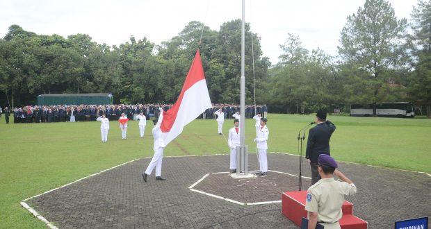 Pengibaran Bendera Merah Putih Memperingati Hari Lahir Pancasila (Foto oleh : Humas IPB)