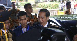 Kedatangan Presiden RI, Joko Widodo di Graha Widya Wisuda IPB Bogor disambut Rektor dan Presma IPB ( Foto oleh : Tasya Chotimah)