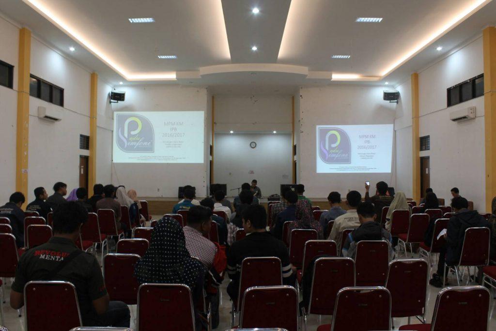 Konsolidasi akbar yang diselenggarakan oleh MPM KM IPB pada Senin (18/9) ini dihadiri oleh beberapa perwakilan Ormawa IPB (Foto oleh : Ayu Prima)