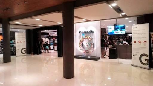 Gramedia Pustaka Utama (Foto dari : kumparan.com)