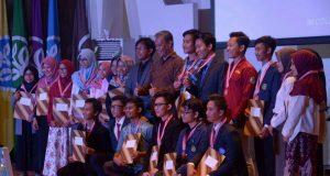 Foto bersama pemenang Smartfem (Foto oleh : dokumentasi panitia)
